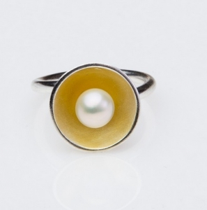 Ring with pearl DP037